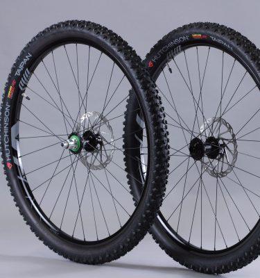 Paire roues 29 aluminium avec pneus Boost